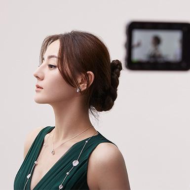 与品牌亚洲代言人迪丽热巴的专访